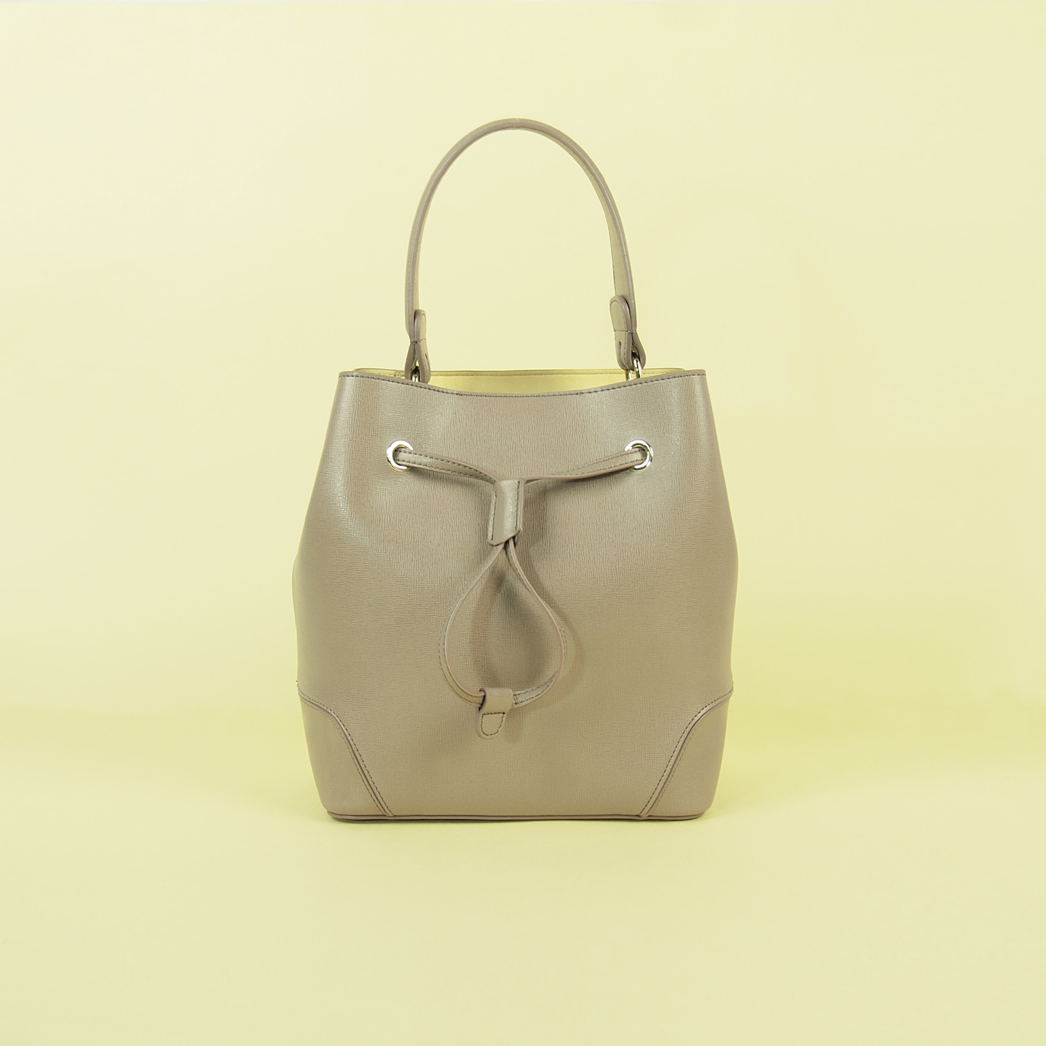 Modern Heritage Effy Tote Front View